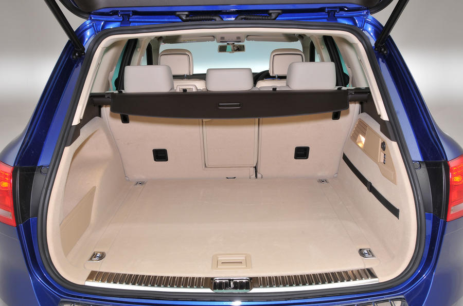 Volkswagen Touareg boot space