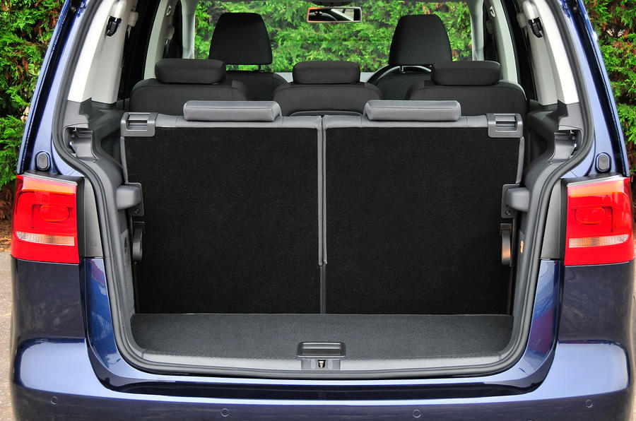 vw touran boot space