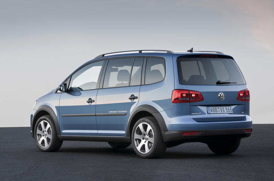 Paris motor show: VW CrossTouran