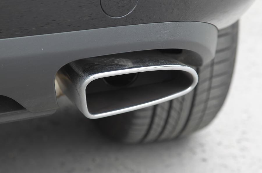 Volkswagen Touareg exhaust pipe