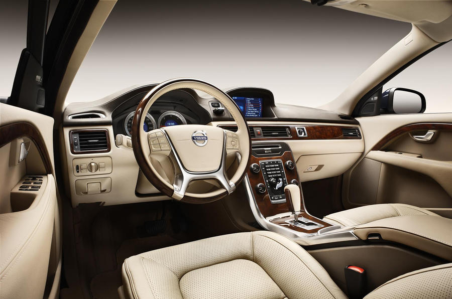 Volvo bolsters luxury saloon