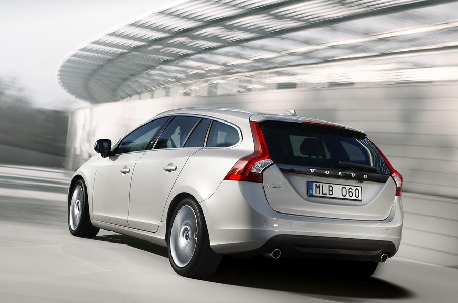 Paris motor show: Volvo V60