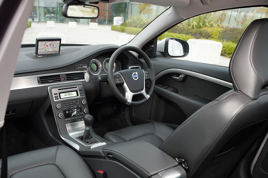 2006 volvo s80 interior
