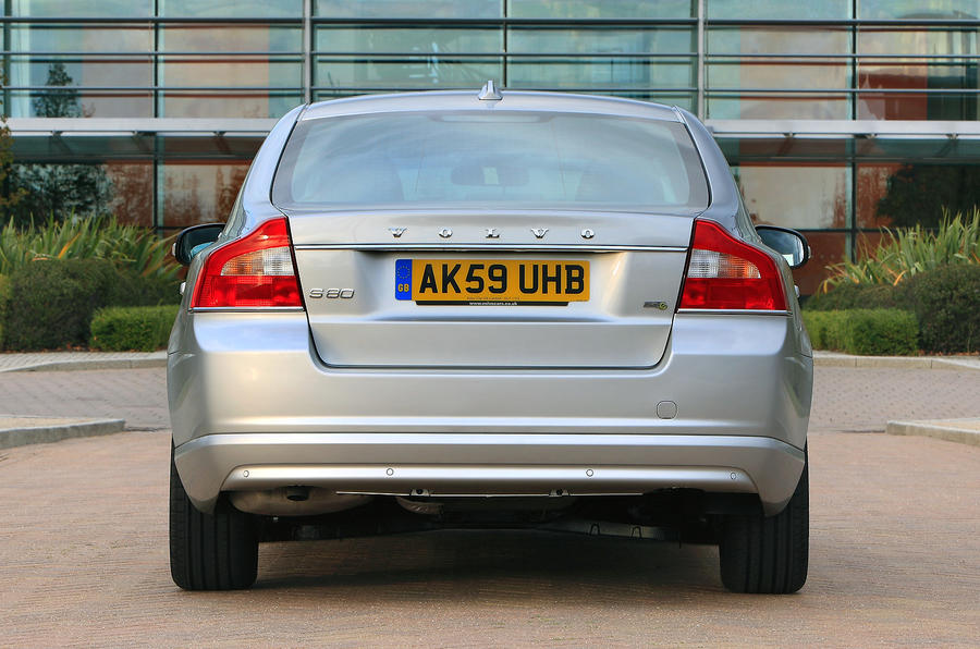 Volvo S80 rear end