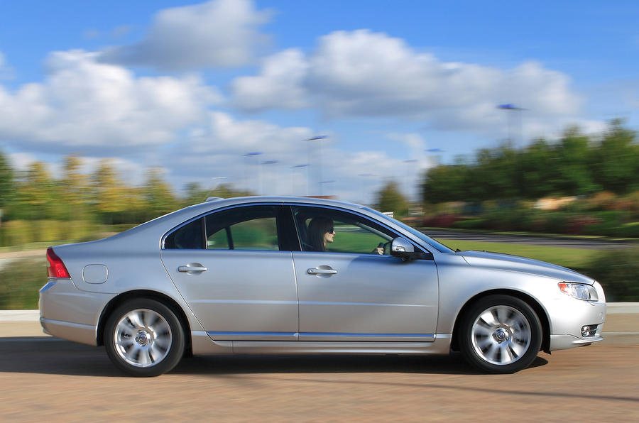 Volvo S80 side profile