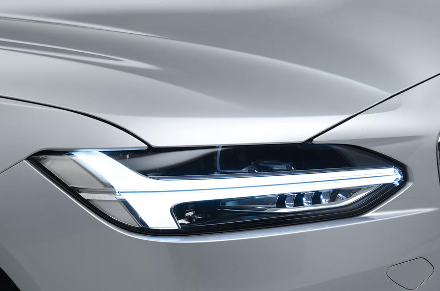Volvo S90 Thor LED signature lights