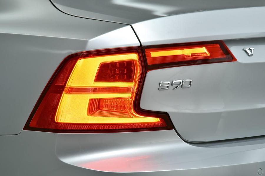 Volvo S90 rear lights