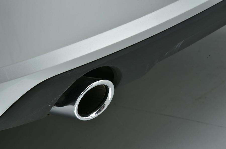 Volvo S90 chrome tailpipe