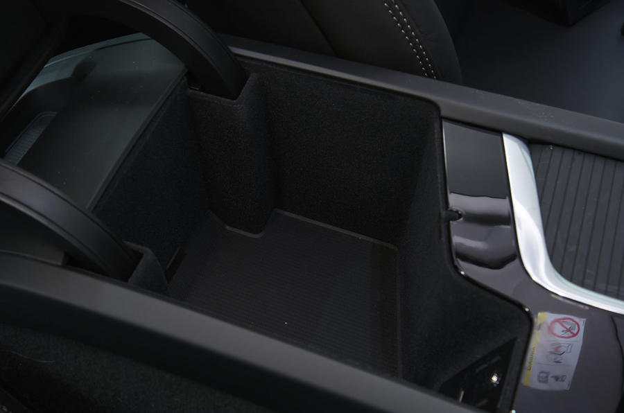 Volvo S90 cubby hole