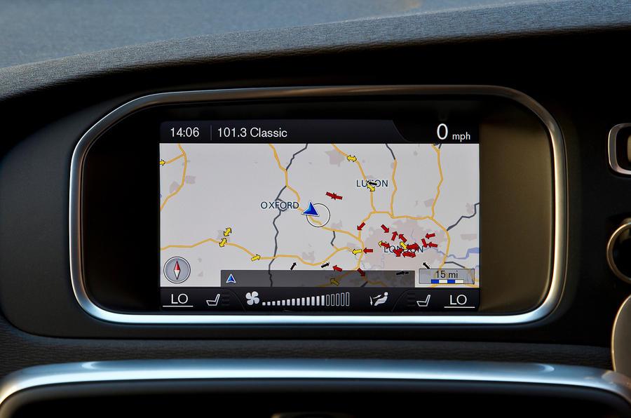 Volvo V40 infotainment system
