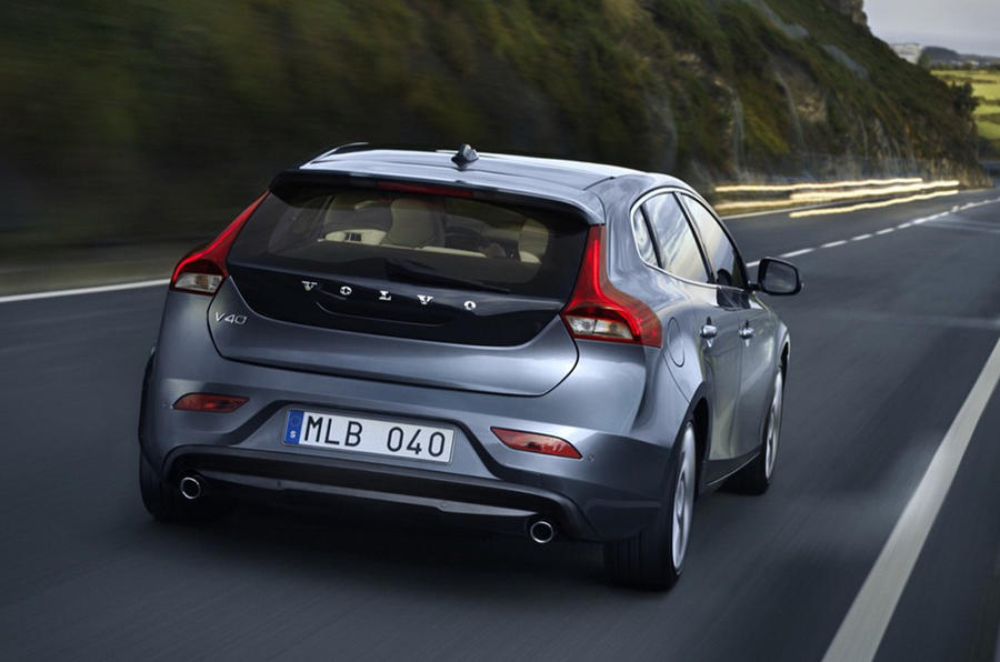 Updated: Volvo V40 leaked