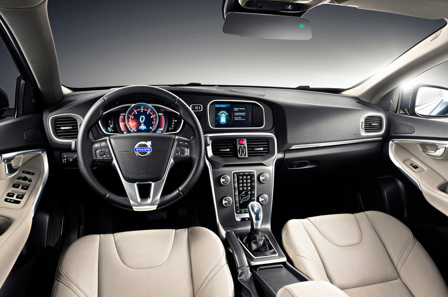 Volvo V40 dashboard