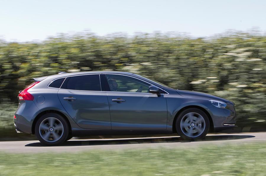Volvo V40 side profile