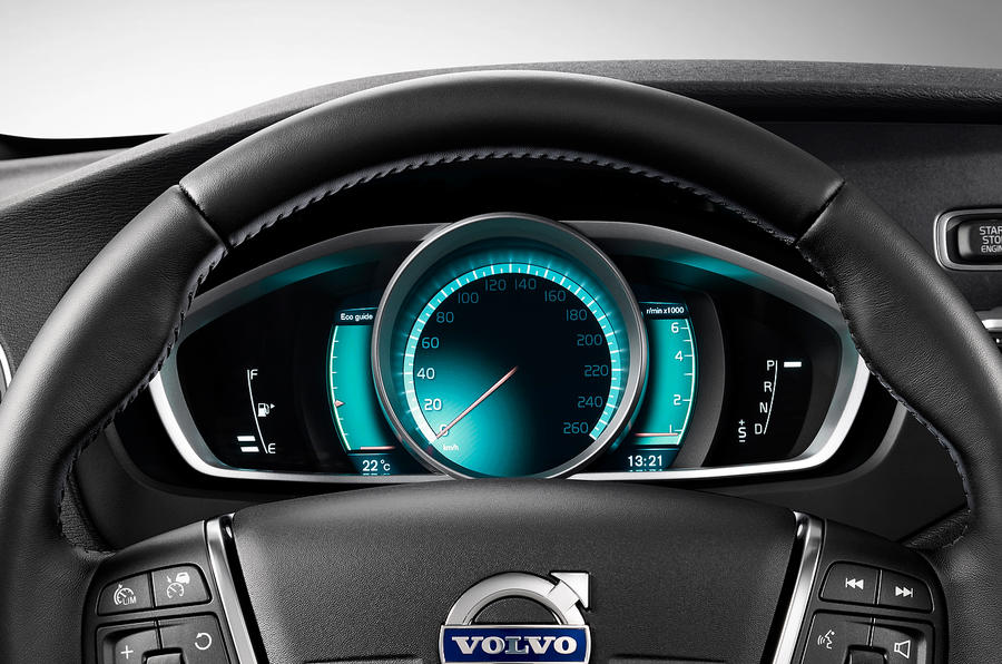 Volvo V40 Cross Country blue dials