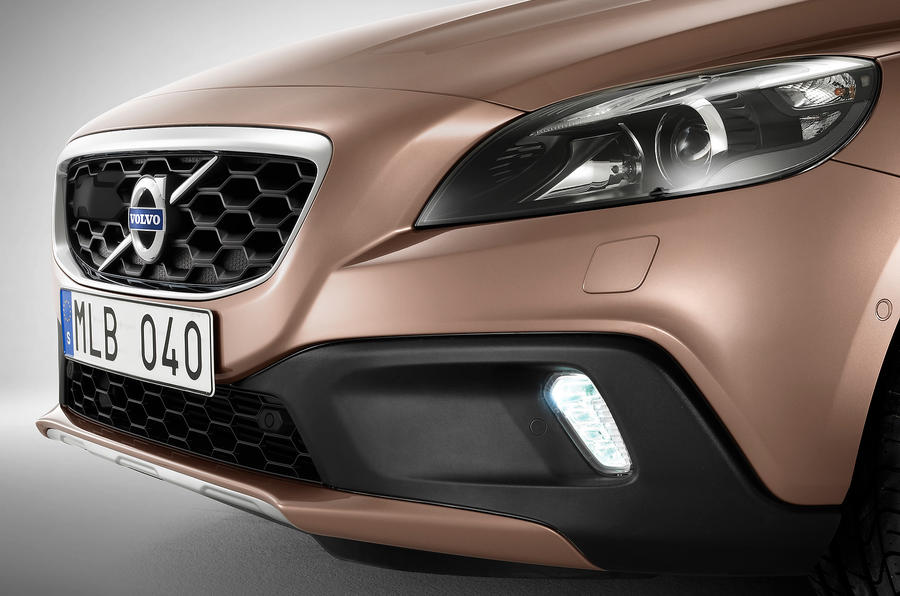 Volvo V40 Cross Country front end