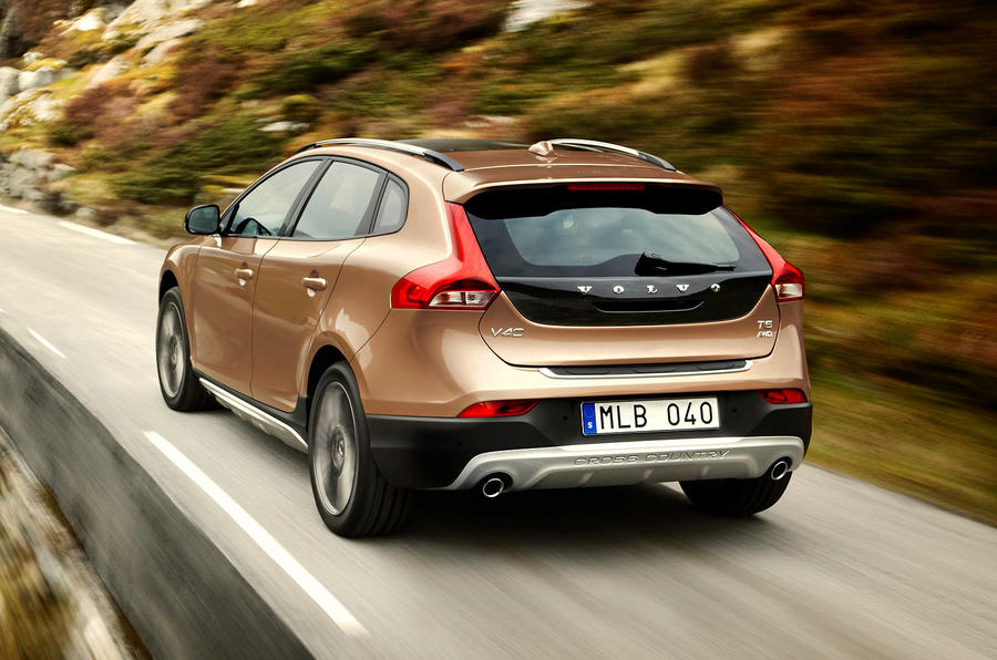 127mph Volvo V40 Cross Country