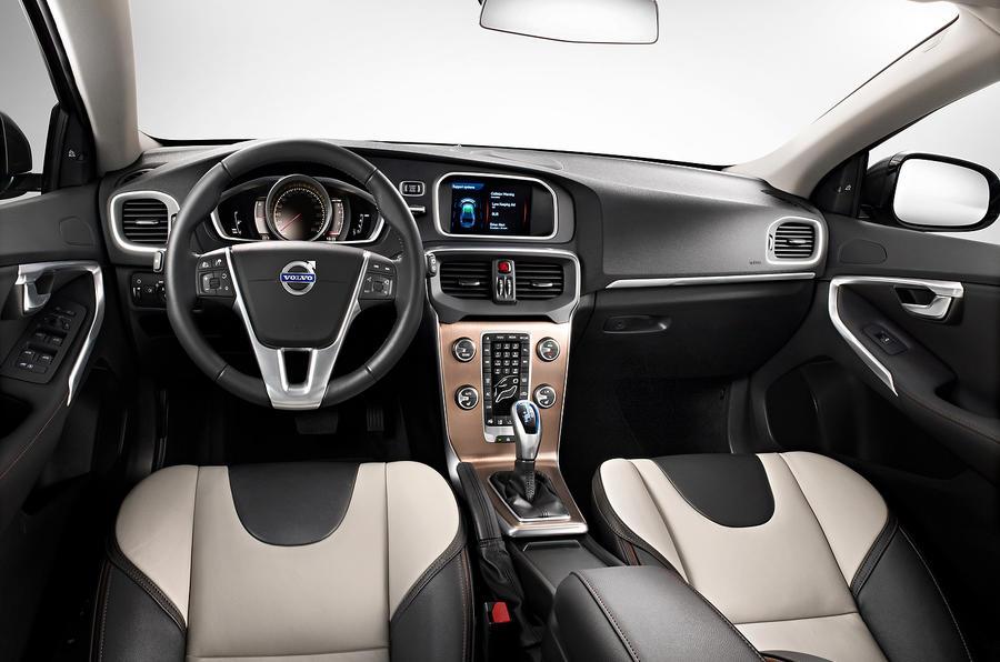 Volvo V40 Cross Country dashboard