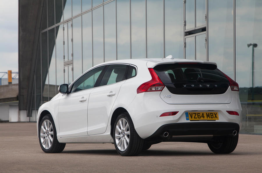 volvo v40 t5 r design lux nav first drive. Black Bedroom Furniture Sets. Home Design Ideas