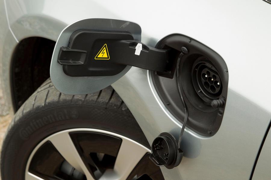 Volvo V60 D6 charging point