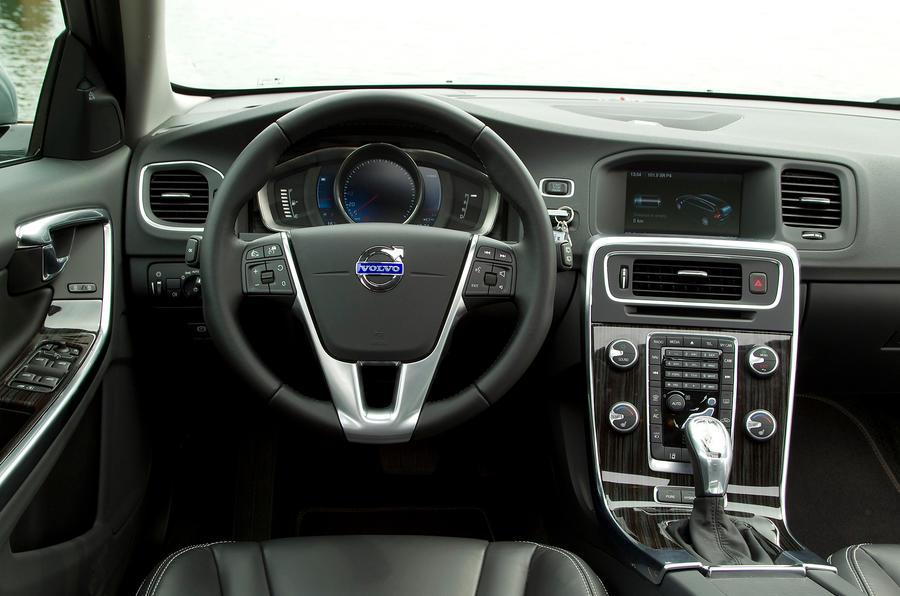 Volvo V60 D6 dashboard