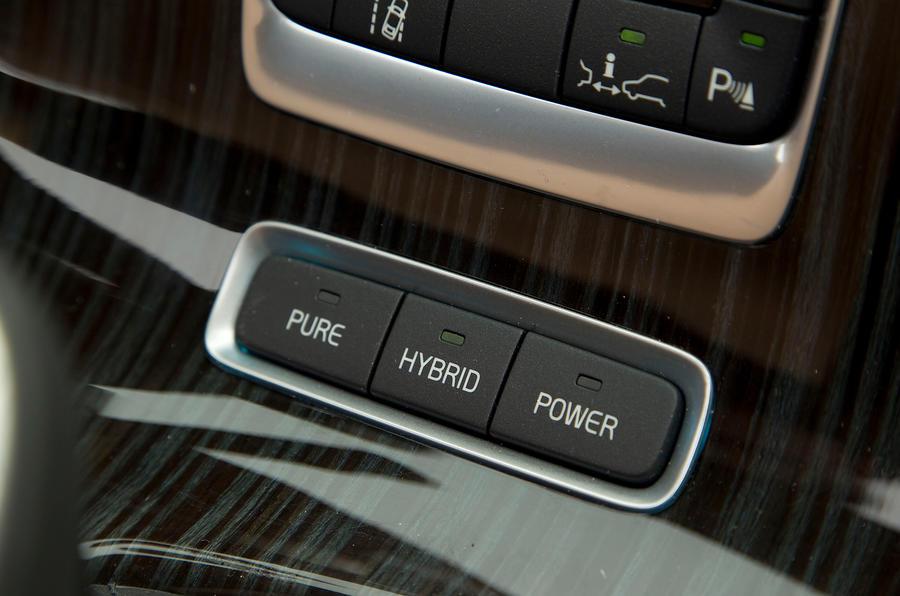 Volvo V60 D6 Hybrid modes