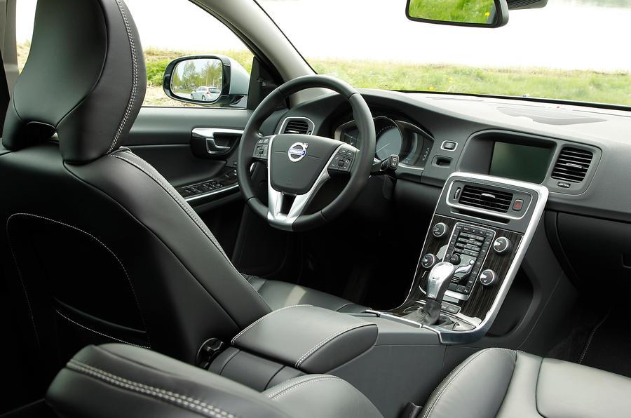 Volvo V60 D6 interior