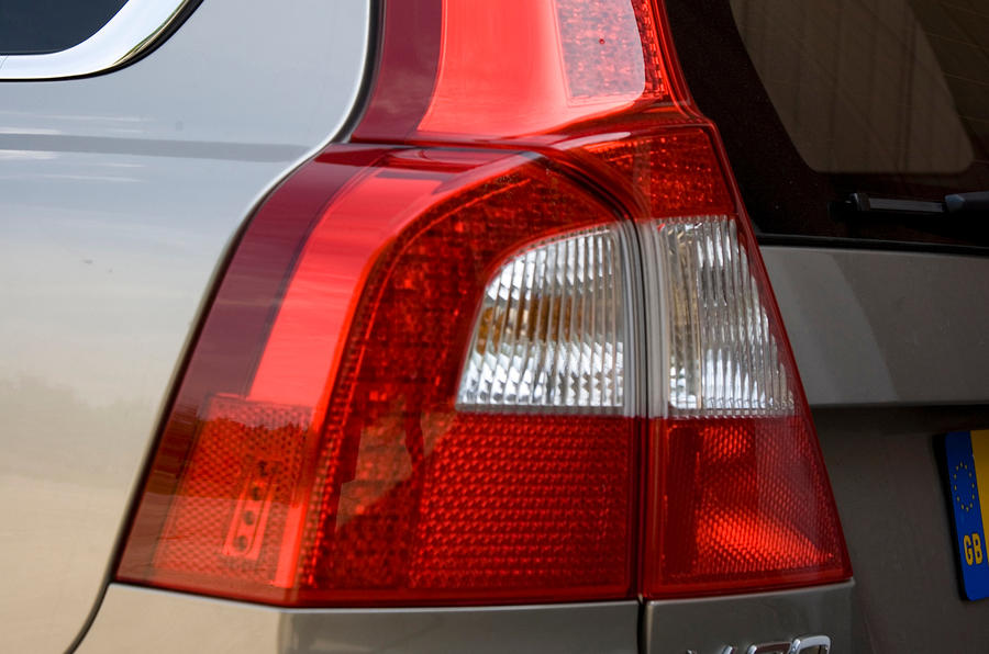 Volvo V70 rear light