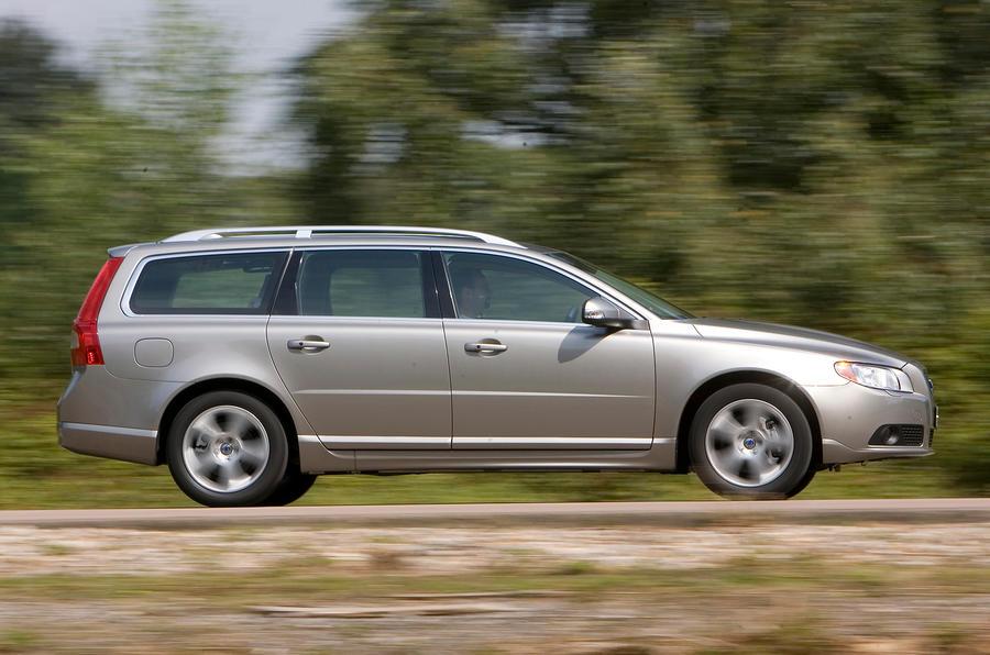 Volvo V70 side profile