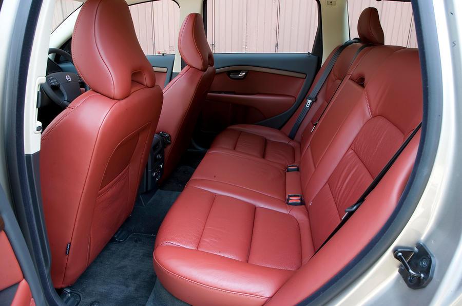 Volvo V70 rear seats