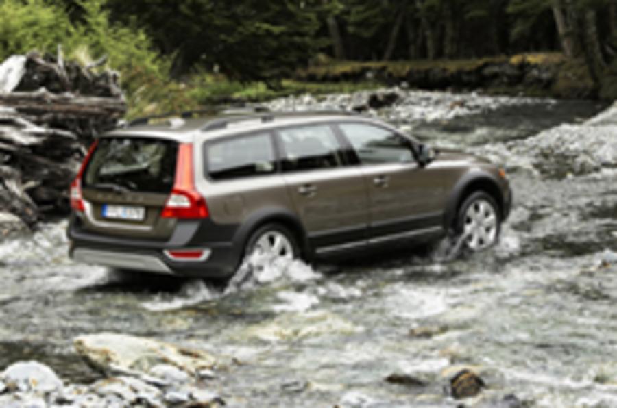 Volvo estate heads off-road