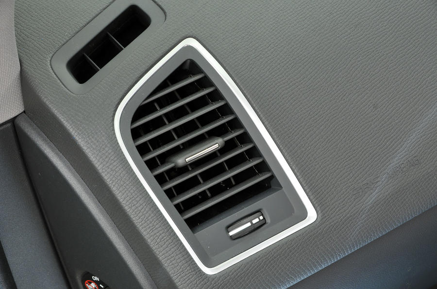 Volvo XC60 air vents