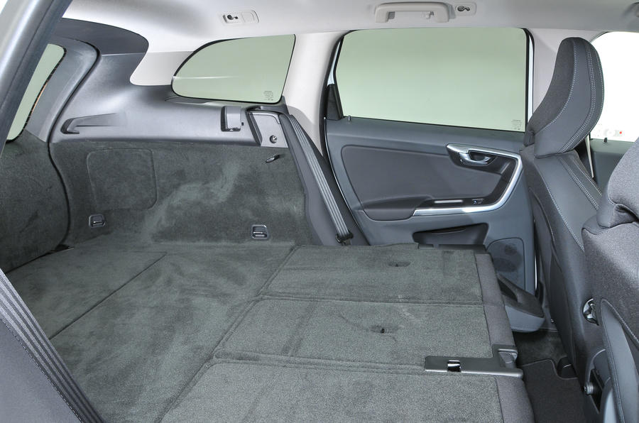 Volvo XC60 extended boot space