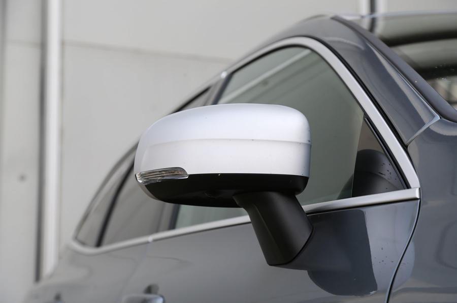 Volvo XC60 wing mirror