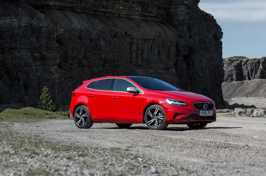 Volvo v40 review 2018 autocar for Star motor cars volvo