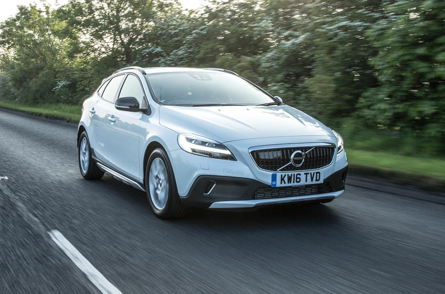 volvo v40 cross country review 2017 autocar. Black Bedroom Furniture Sets. Home Design Ideas