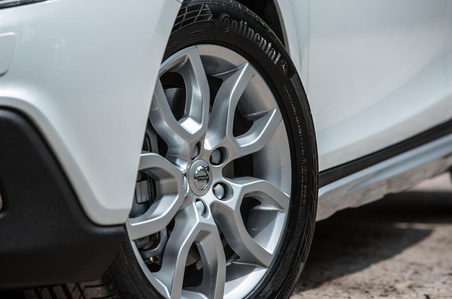 16in Volvo V40 Cross Country alloy wheels