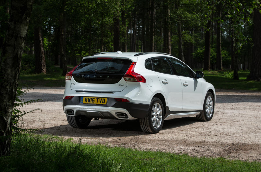 Volvo V40 Cross Country rear quarter