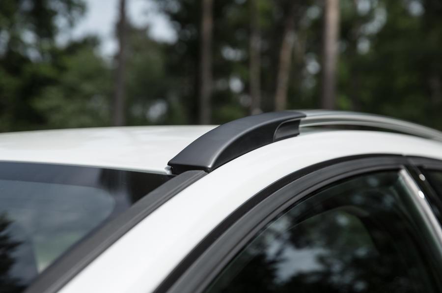 Volvo V40 Cross Country roof rails