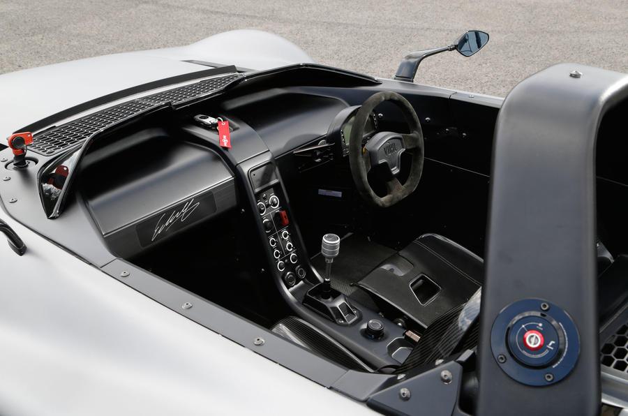 Vuhl 05 front seats
