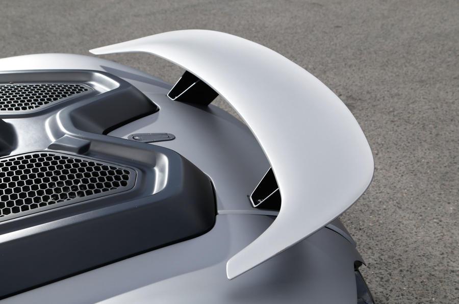 Vuhl 05 rear wing