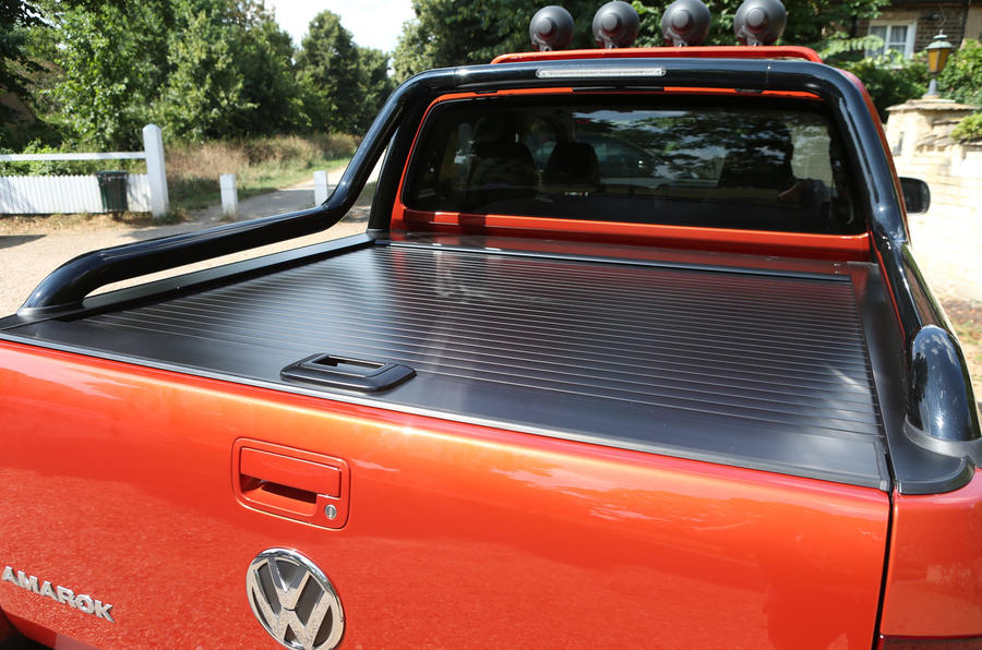 Volkswagen Amarok Canyon rear load cover