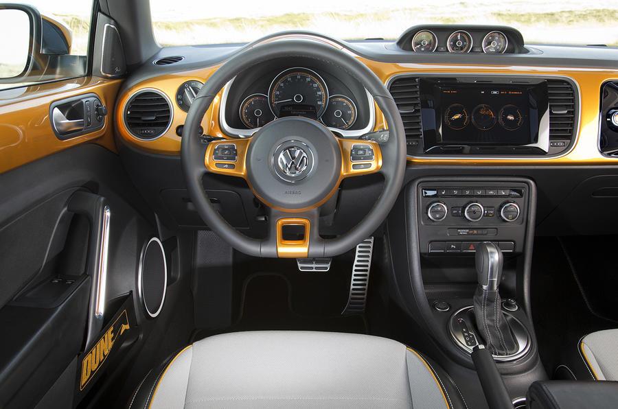 Volkswagen Beetle Dune concept dashboard