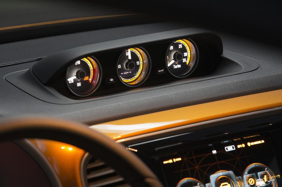 Volkswagen Beetle Dune concept gauges