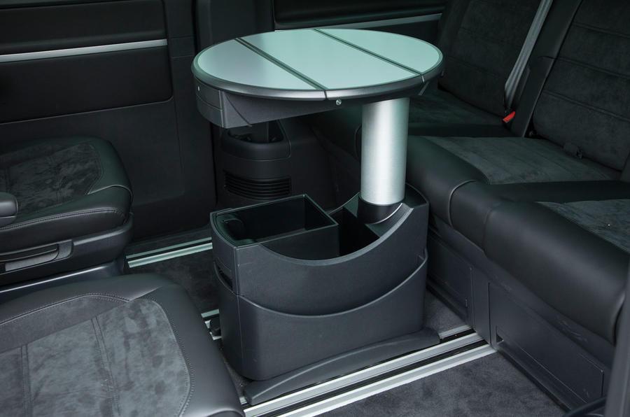 Volkswagen Caravelle table