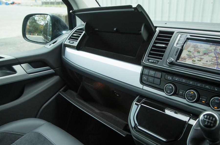 Volkswagen Caravelle T6 glovebox