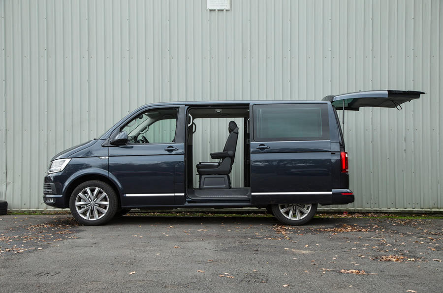 Volkswagen Caravelle sliding rear doors