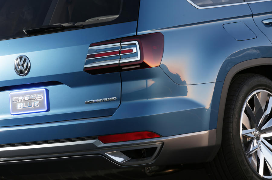 Volkswagen CrossBlue concept rear lights