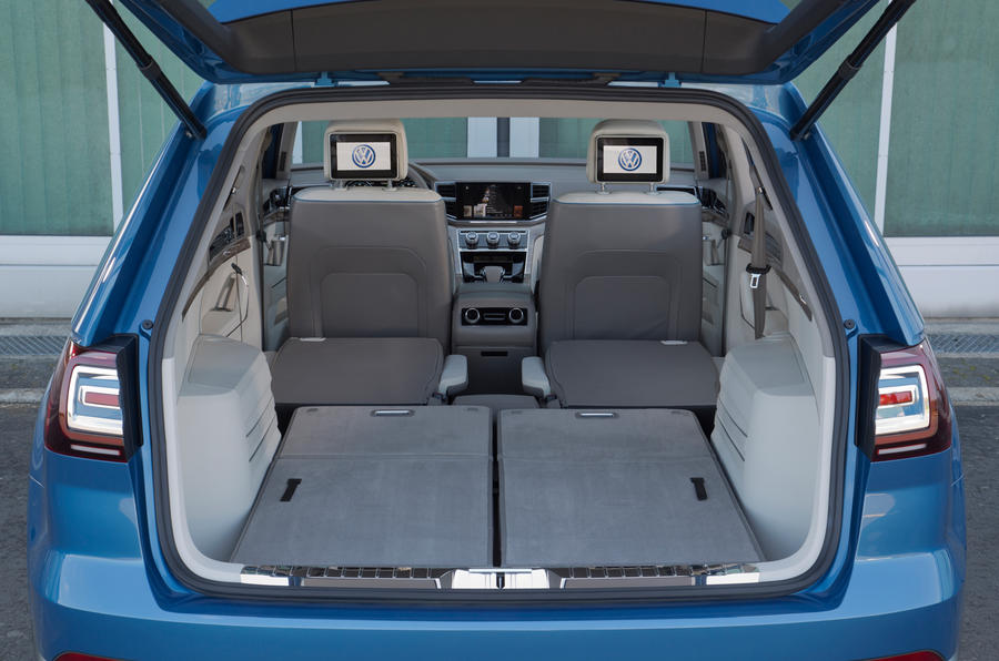 Volkswagen CrossBlue concept seating flexibility