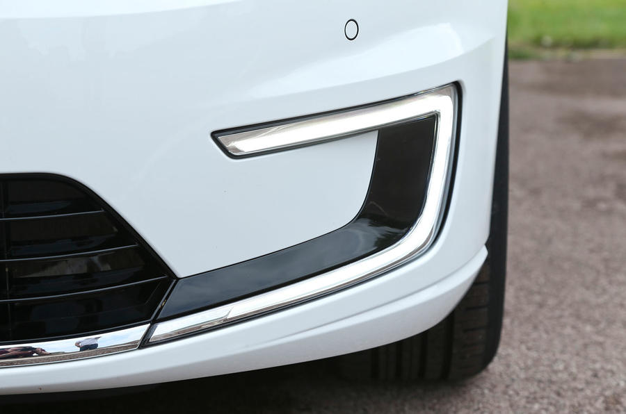Volkswagen e-Golf LED day-running-lights