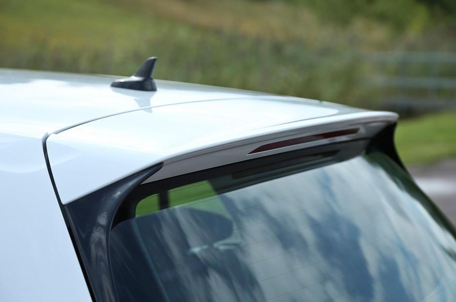 Volkswagen e-Golf roof spoiler
